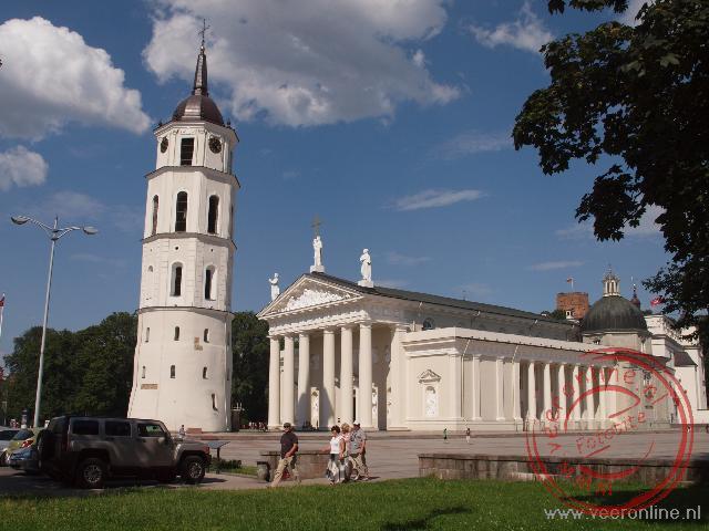 De Kathedraal van Vilnius met de Klokkentoren uit de 17de eeuw