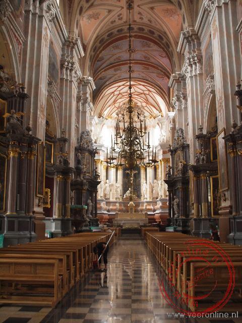 De robuuste Sint Petrus en Paulus Basiliek van Kaunas