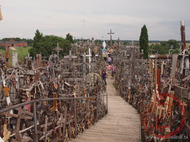 Honderdduizend kruizen staan bijeen op de Kruisberg in Litouwen