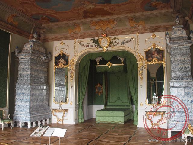 De prachtig herstelde slaapkamer van het Rundalepaleis