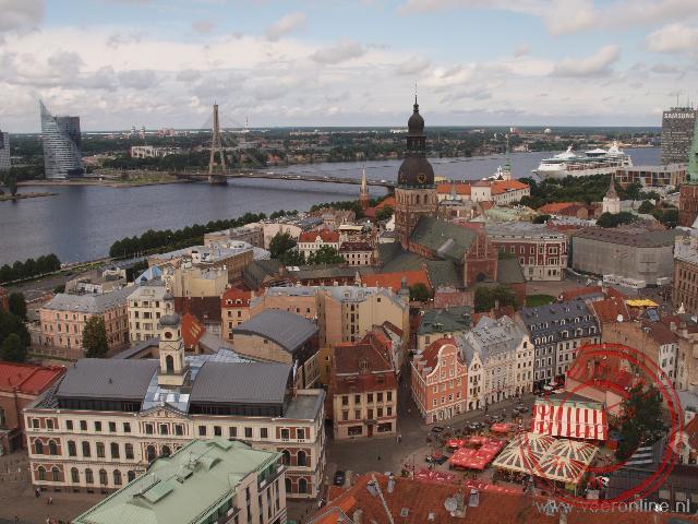 Uitzicht over het oude centrum van Riga