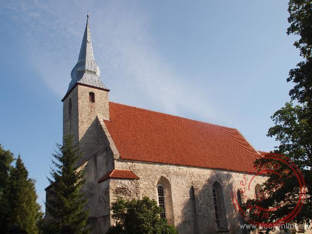 De gedenkplaat aan de kerk van Kaarma uit 1407 is de oudste Estische tekst.