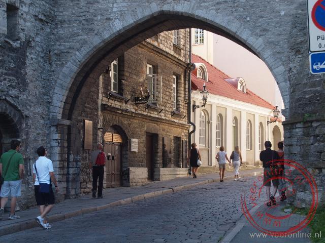 De Grote kustpoort geeft toegang tot de oude stad van Tallinn