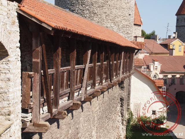 De balustrade achter de stadsmuur