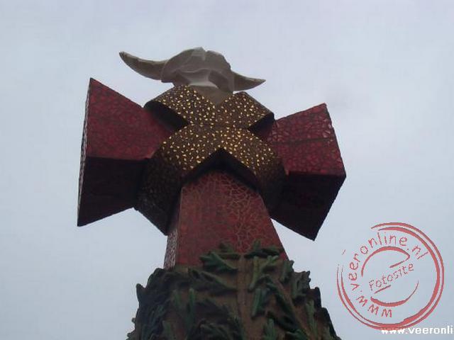 Een kruis op de torens van de Sagrada Família