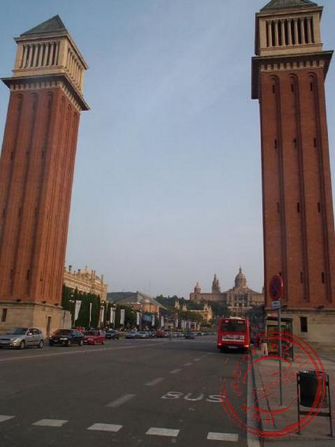 Het uitzicht vanaf het Plaça de Espanya in de richting van het Museu Nacional d Atr