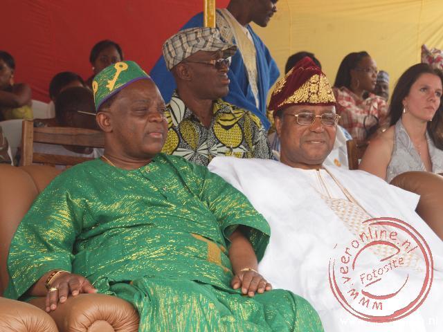 De president van Benin op de hoofdtribune bij het voodoo festival