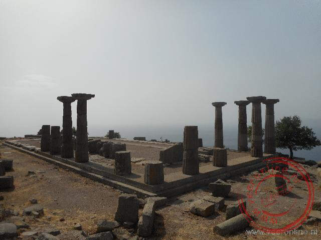 De restanten van de oude Griekse temple of Athena