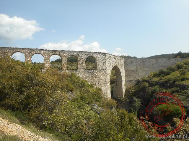 Het oude aquaduct uit de Byzantijnse tijd