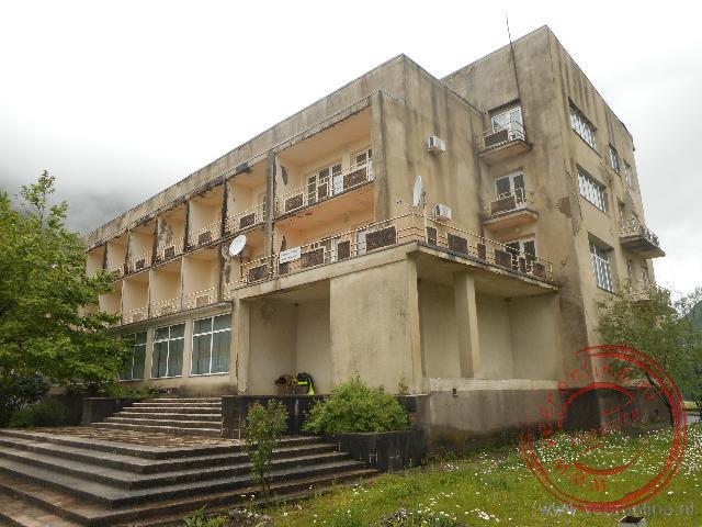 Het typische Russische hotel in Enguri