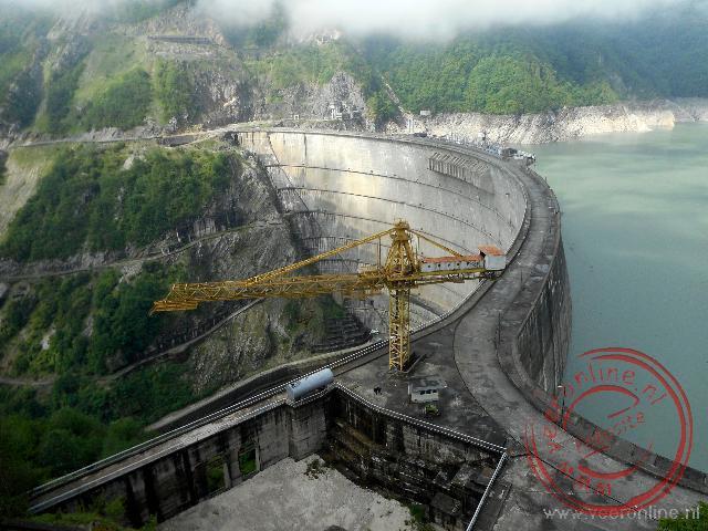 De 271 meter hoge Enguri stuwdam