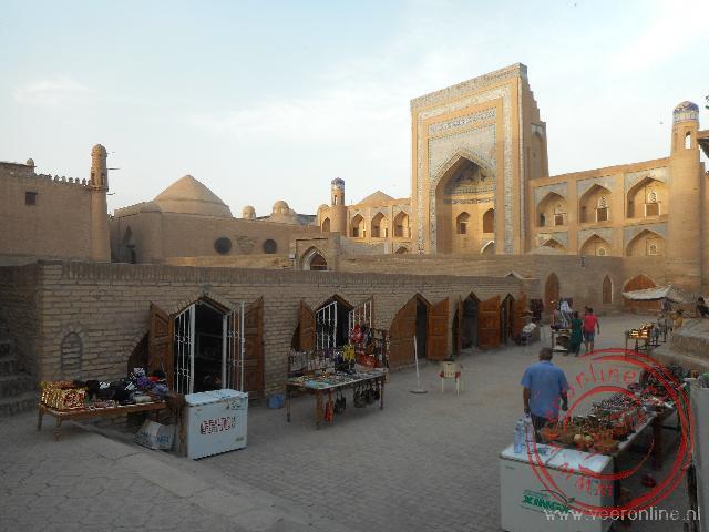 Talrijke moskeeën en Koranscholen in het oude centrum van Khiva