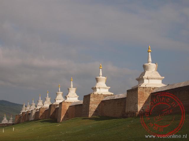 De buitenmuur van het Erdene Zuu monastery