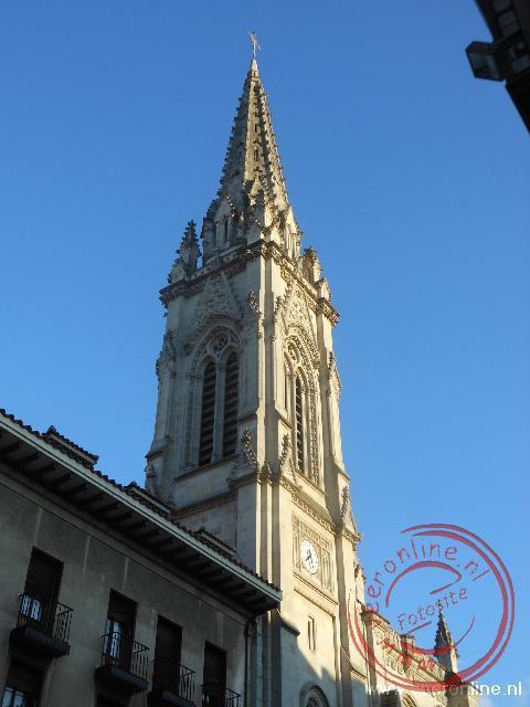 De kathedraal is het middelpunt van de oude wijk