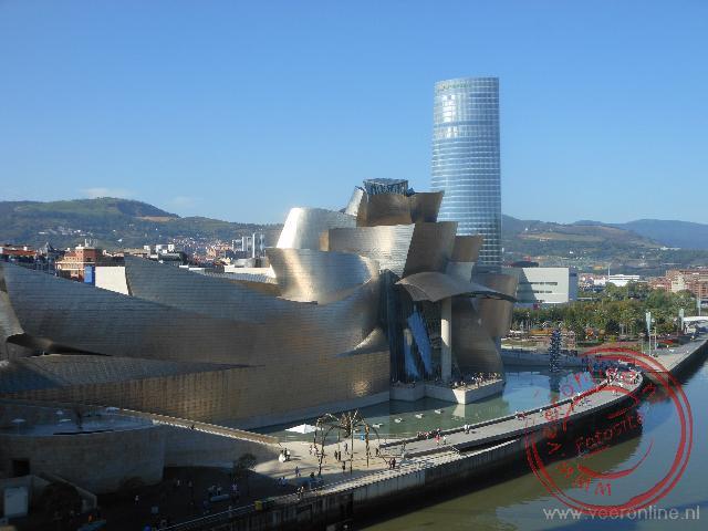 Uitzicht op het bijzondere ontwerp van het Guggenheim museum