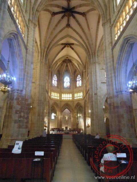 Het middenschip van de kathedraal van Bilbao