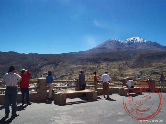 Tijdens een korte stop hebben we een prachtig uitzicht over het landschap