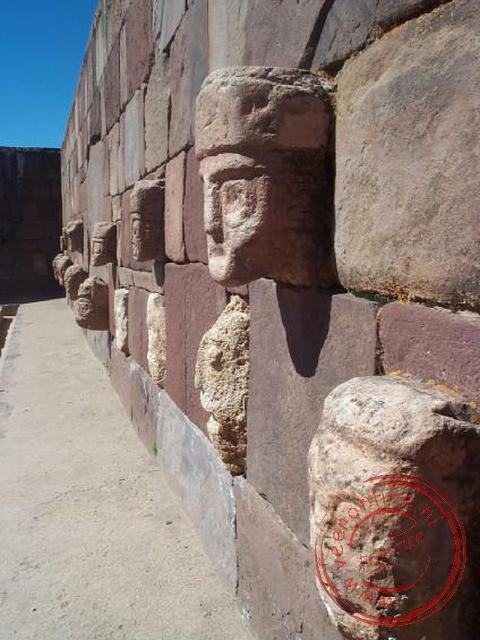 De opgravingen in Tiahuanaco van de Tiwanakus
