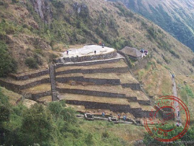 Het ruinecomplex Phuyupatamarca op 3.640 meter hoogte