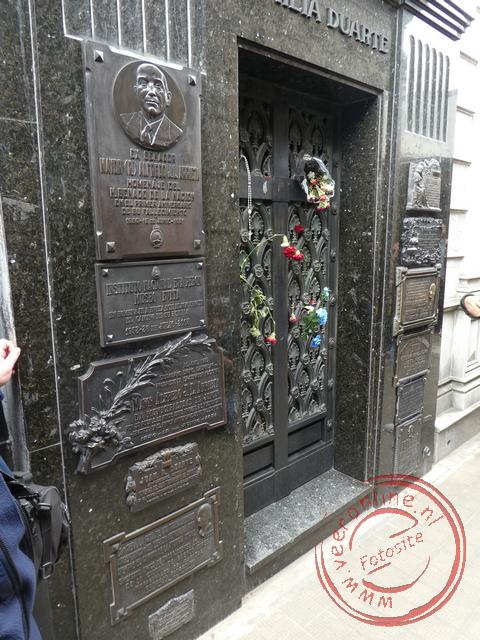 Het familiegraf waar Evita Perón bijgezet is