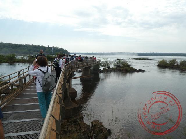 Een loopbrug bij de Iguazú Falls