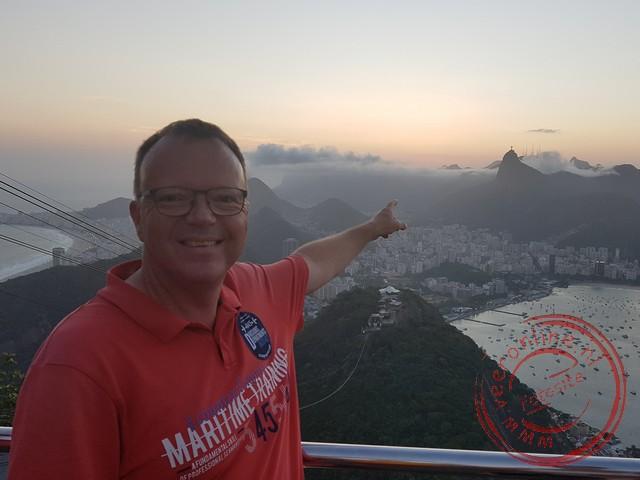Het Christusbeeld steekt boven Rio uit