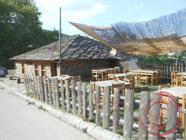 Het restaurant in Leshten