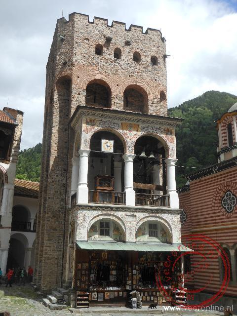 De enige toren van het Rila klooster die de brand van 1833 overleefd heeft
