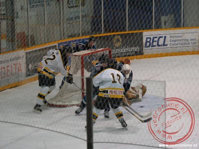 IJshockey wedstrijd in het stadion van Canmore