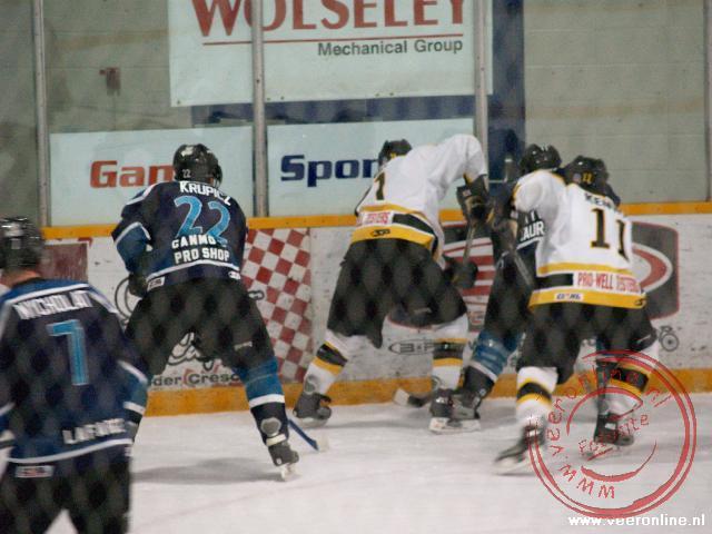 Ijshockey tussen de Canmore Eagles en de Olds Grizzlys