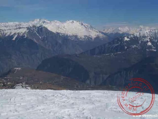 De sneeuwgrens lag rond de 1800 meter en daardoor geen sneeuw in het dal