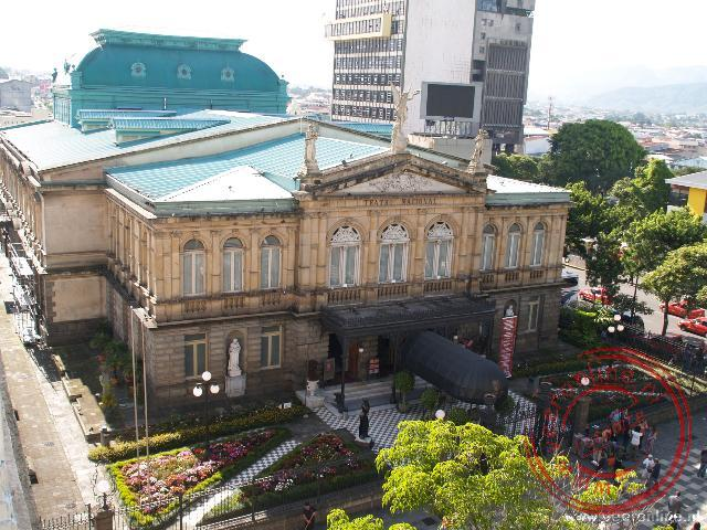 Rondreis Costa Rica - Het nationale theater is een van de oudste gebouwen in San José