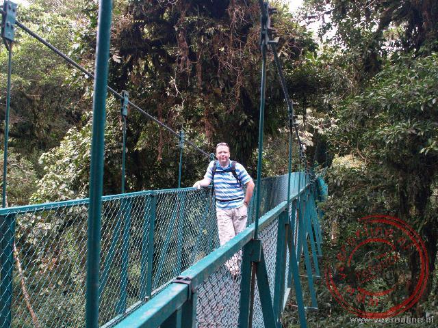 Ronald op de hangbruggen in Monteverde
