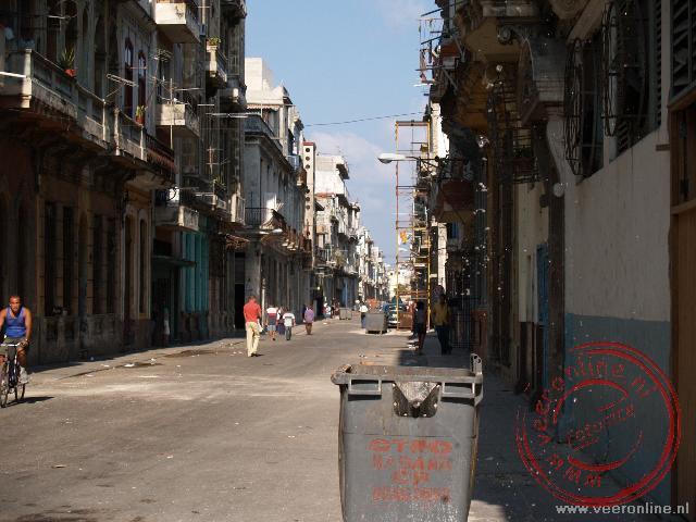 Een van de straten in de wijk Centro Habana.