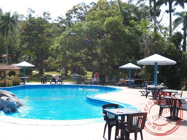 Het zwembad bij het resort nabij Viñales