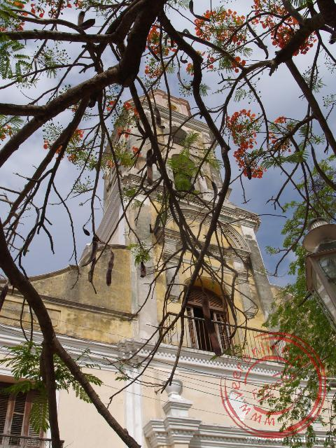 De toren van de Iglesia y Convento de San Francisco