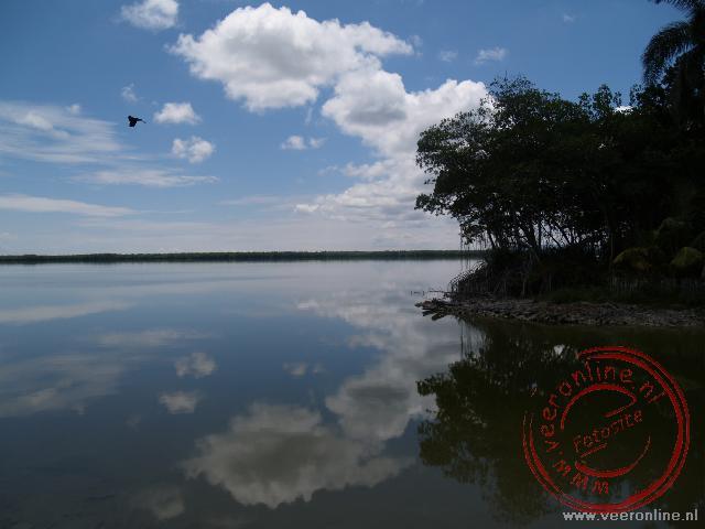 Het Laguna de Leche (melkmeer) met de fraaie weerspiegeling