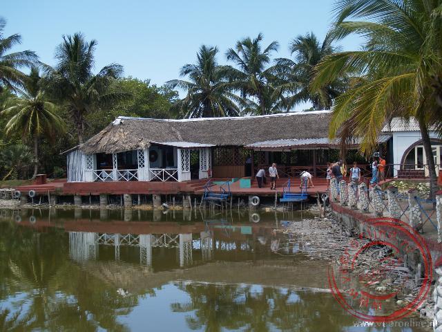 Het restaurant aan het meer