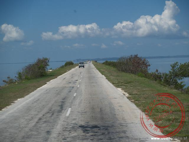 De lange verbinding naar het eiland Caya Coco