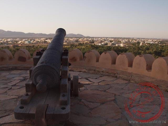 Het uitzicht op het plaatsje Nakhal vanaf het kasteel Nakhal