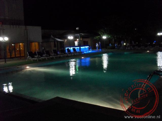 Het zwembad van het hotel Golden Tulip Nizwa