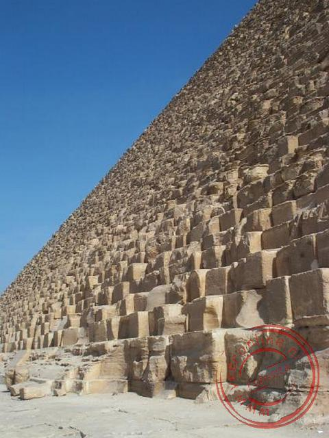 De piramide van Cheops is de hoogste piramide van Egypte met een hoogte van maar liefst 138 meter