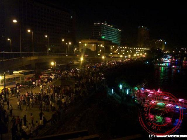 Het einde van de rammadan, het suikerfeest, wordt door de Egyptenaren gevierd op de boulevards langs de Nijl