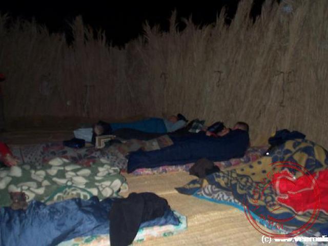De overnachting nabij Kharga in de woestijn