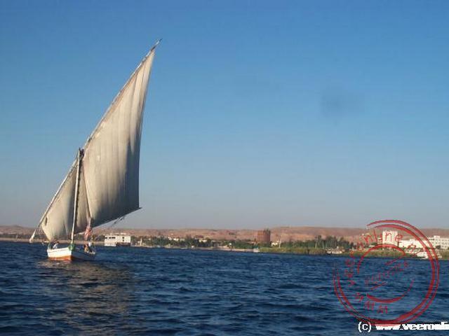 Een feloeka zeilt op de Nijl