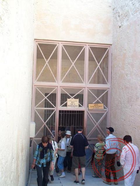 De ingang van de graftombe van Ramses III