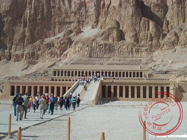 De tempel van Hatsjepsoet in Thebe