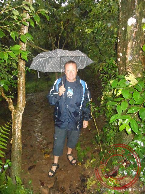 Wandelen rond Aragash Lodge in de stromende regen