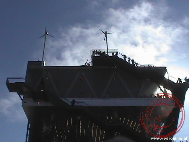 Op de top staan de windmolens