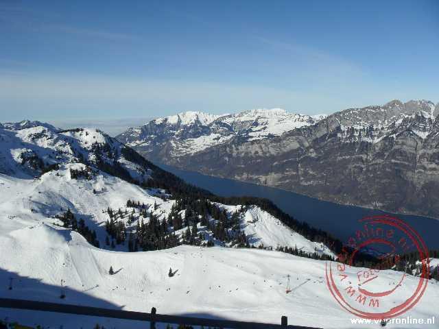 De Walensee tussen de Zwitserse bergen